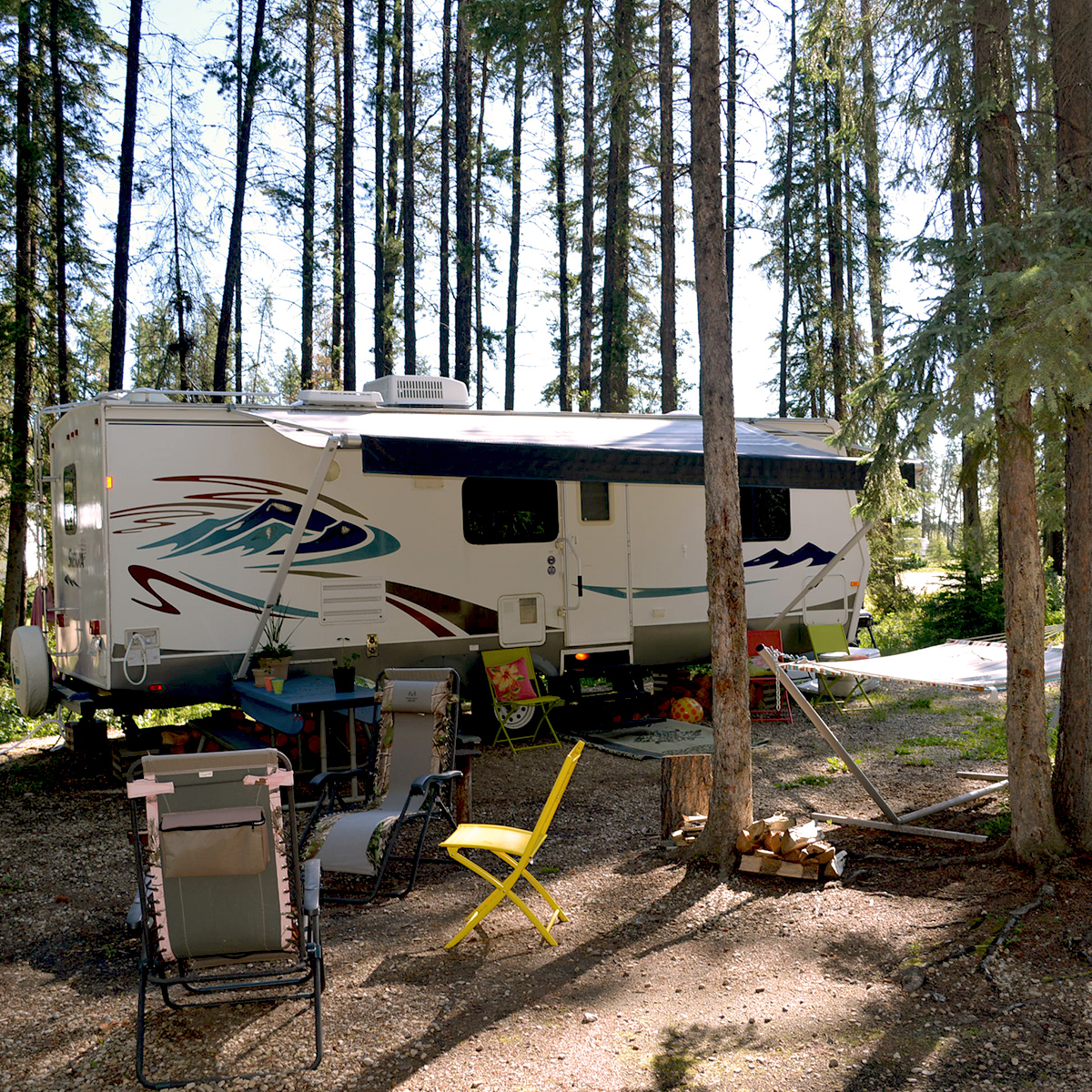 Affordable Full Service Campsites - Power, Water, Sewer - Whitecourt Lions Campground - Alberta